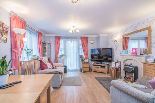 Thumbnail Flat for sale in Pegasus Court, Winchmore Hill, London