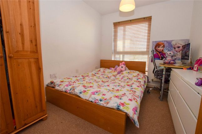 Picture No. 02 of Catalonia Apartments, Metropolitan Station Approach, Watford, Hertfordshire WD18