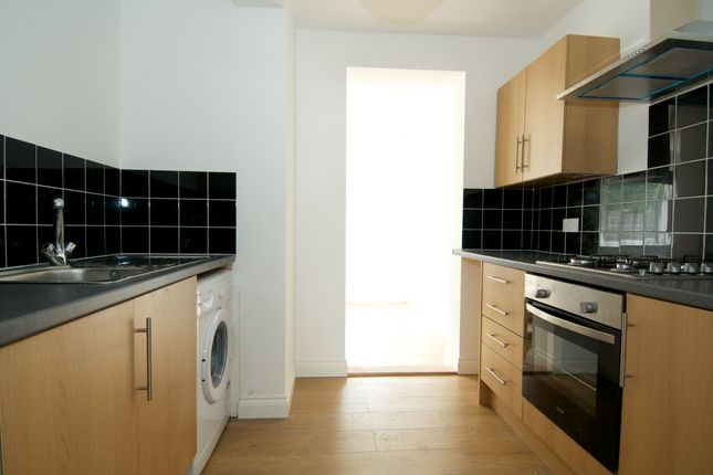 Thumbnail Town house to rent in St Pauls Road, Southsea
