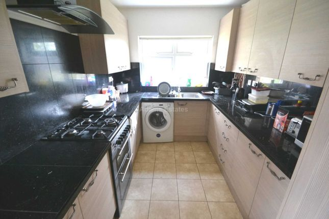 Thumbnail End terrace house to rent in Lincoln Road, Reading