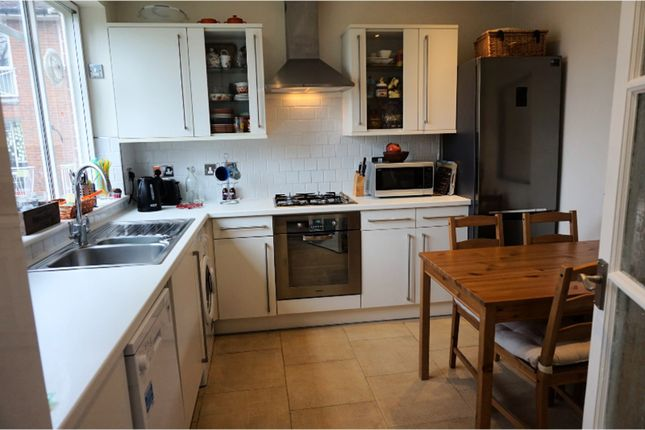 Thumbnail Flat to rent in Hitherwood Drive, London