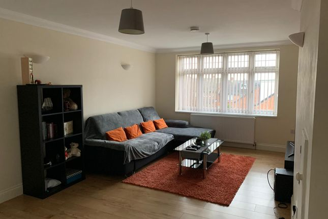 Thumbnail Flat to rent in Whitton Road, Hounslow