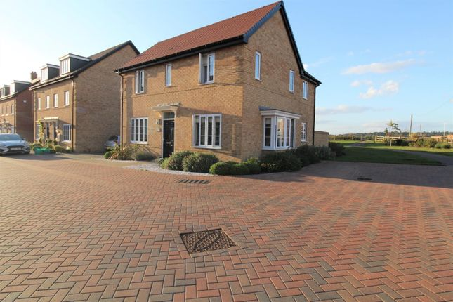 4 bed property for sale in Soundy Paddock, Biggleswade SG18