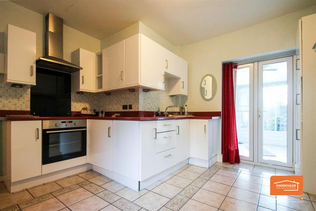 3 bed semi-detached house to rent in Lichfield Road, Brownhills, Walsall