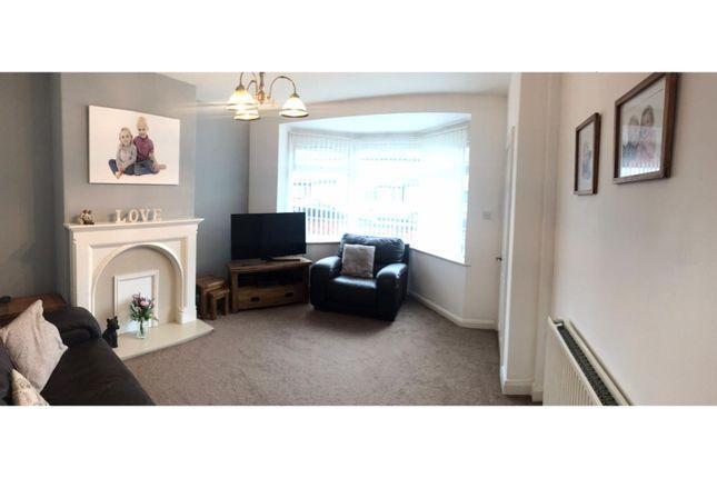 Living Room of Brooklands Road, Hull HU5
