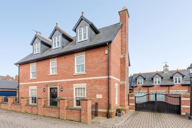 Thumbnail Detached house for sale in Hillmorton Road, Rugby, Warwickshire
