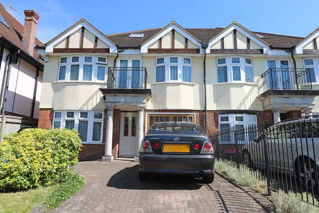 Thumbnail Semi-detached house for sale in Sinclair Grove, London