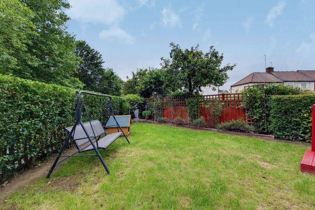 4 bed property for sale in Queensbury Road, Alperton, Wembley HA0