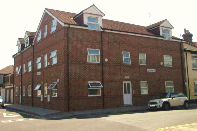 1 bed flat to rent in Trafalgar Place, Portsmouth