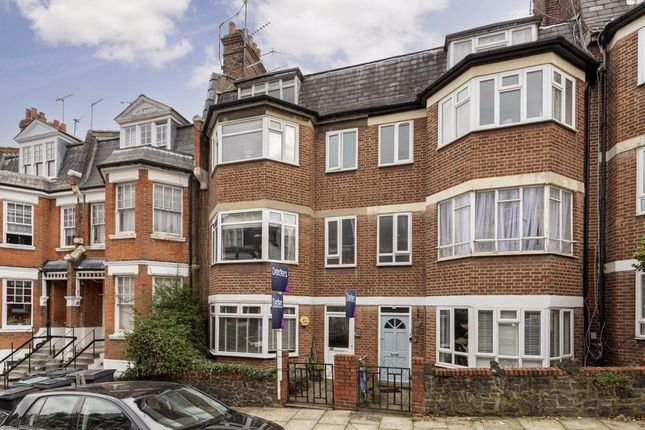2 bed flat for sale in Milton Road, London N6
