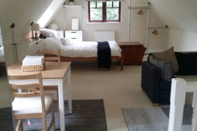 Thumbnail Flat to rent in Shepley Road, Barnt Green