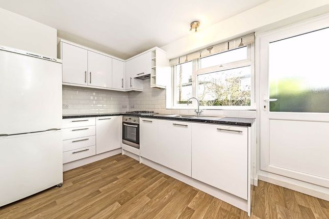 Thumbnail Flat to rent in Dunstable Road, Richmond