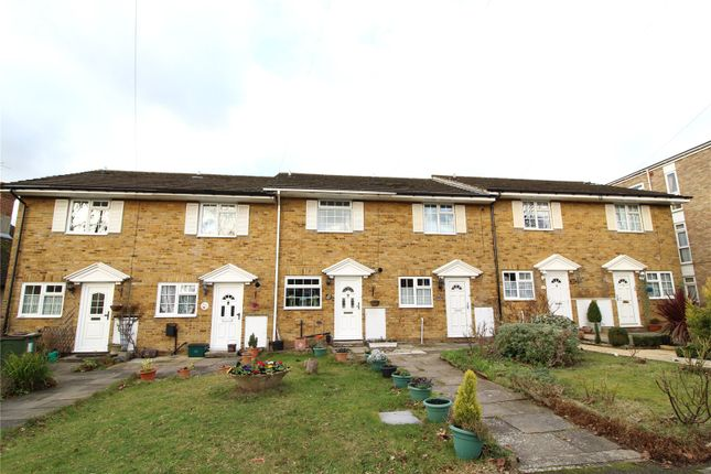Thumbnail Terraced house for sale in Hawthorn Road, Wallington
