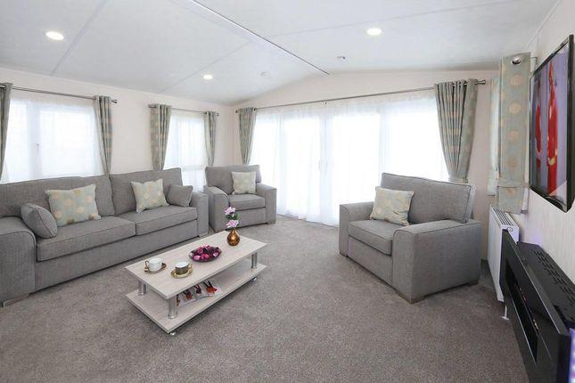 Superior-Deluxe-Lounge2-1181x787