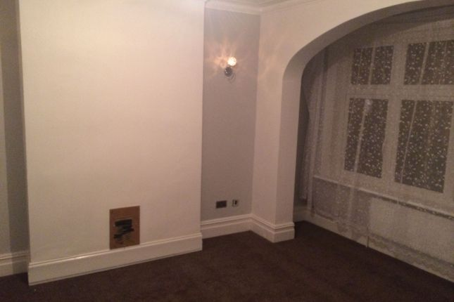 Thumbnail Detached house to rent in Lyndhurst Road, Thornton Heath