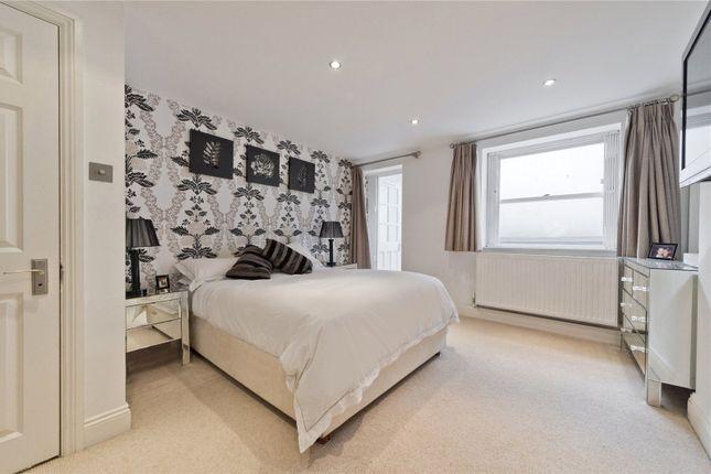 Master Bedroom of Cloudesley Street, London N1