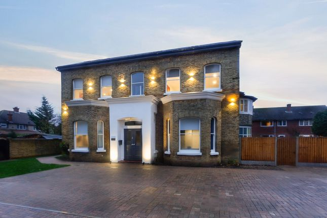 Thumbnail Detached house to rent in Raymond Road, Langley, Slough