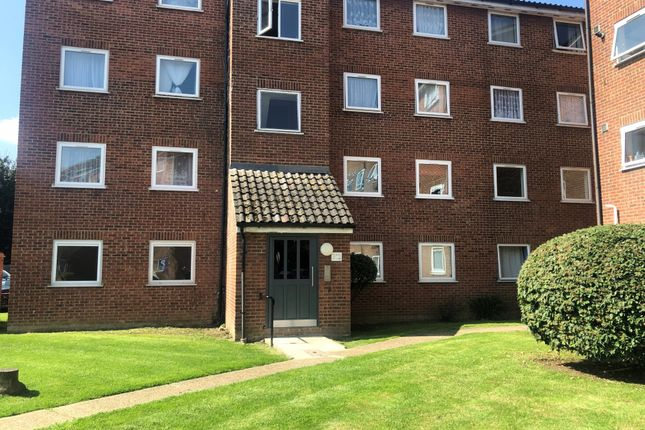 Thumbnail Flat to rent in Barking, Essex