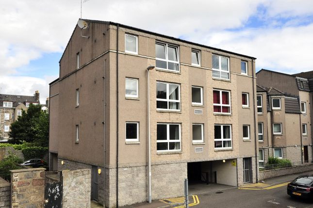 2 bedroom flat to rent in 11F Fraser Place, Aberdeen