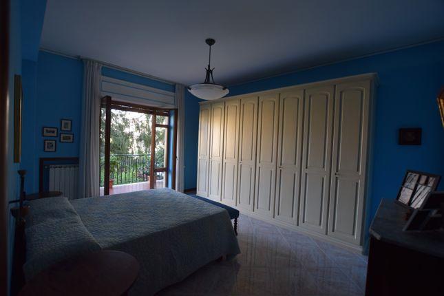 3 bed apartment for sale in Via Fuorimura, Sorrento, Naples, Campania, Italy