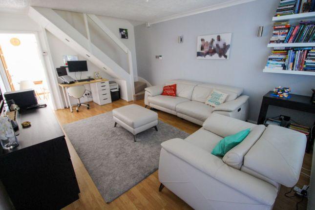 Living Room of Floribunda Drive, Roselands, Northampton NN4