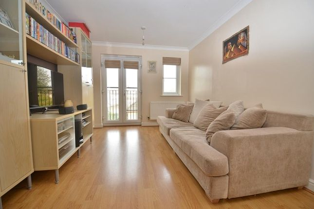 Thumbnail Flat to rent in Appleby Close, Hillingdon, Middlesex