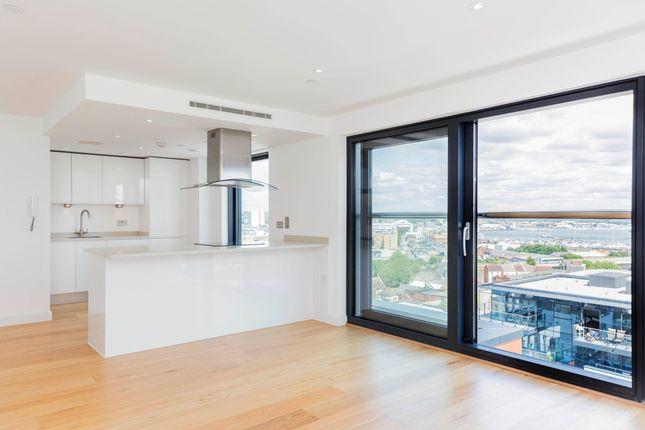 2 bedroom flat to rent in Ocean Way, Ocean Village, Southampton