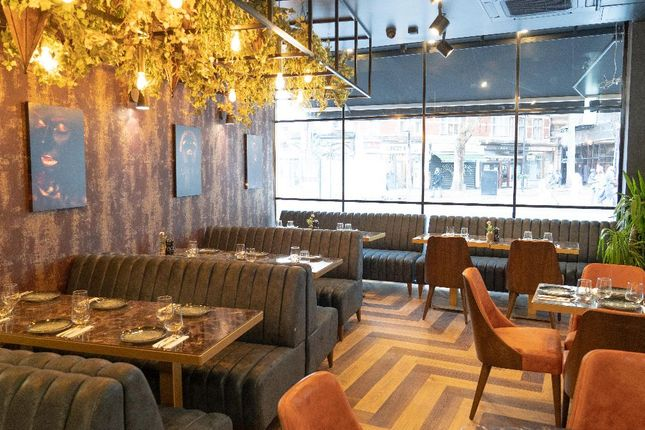 Thumbnail Restaurant/cafe for sale in New Oxford Street, London