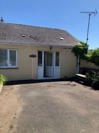 2 bed flat to rent in Goodwick SA64