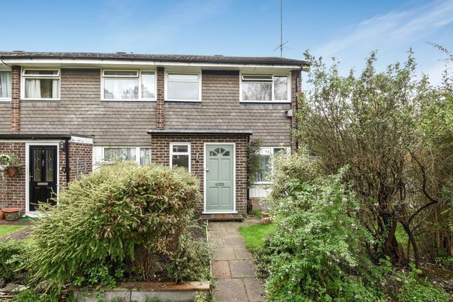 3 bed semi-detached house to rent in Francis Chichester Close, Ascot