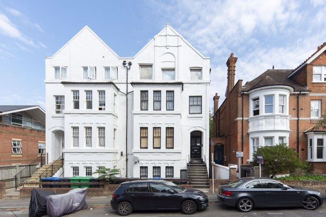 Thumbnail Flat to rent in Claremont Gardens, Surbiton