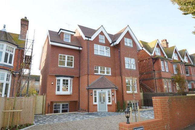 Thumbnail Flat to rent in Milnthorpe Road, Eastbourne