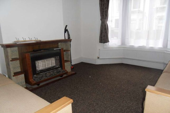 Thumbnail Property to rent in Chesterton Terrace, London