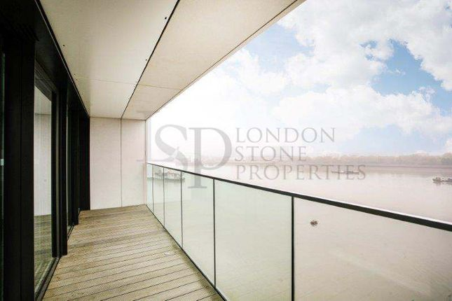 Thumbnail Flat to rent in Hampton Apartment, Royal Arsenal Riverside, London
