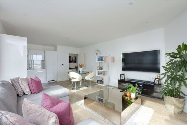 Picture No. 16 of Lariat Apartments, 36 Cable Walk, Greenwich, London SE10