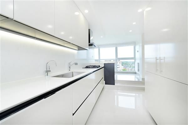 Thumbnail Flat to rent in Boydell Court, St Johns Wood Park, London