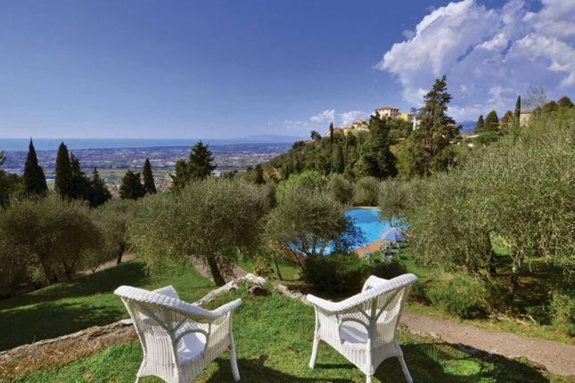 Villa for sale in Massarosa, Lucca, Tuscany, Italy