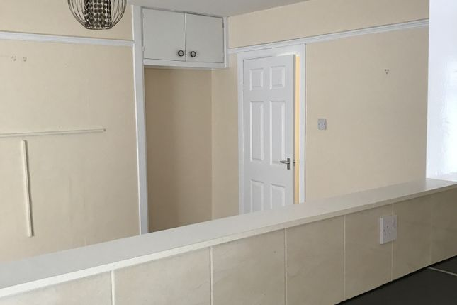 Thumbnail Flat to rent in Bolton Street, Brixham