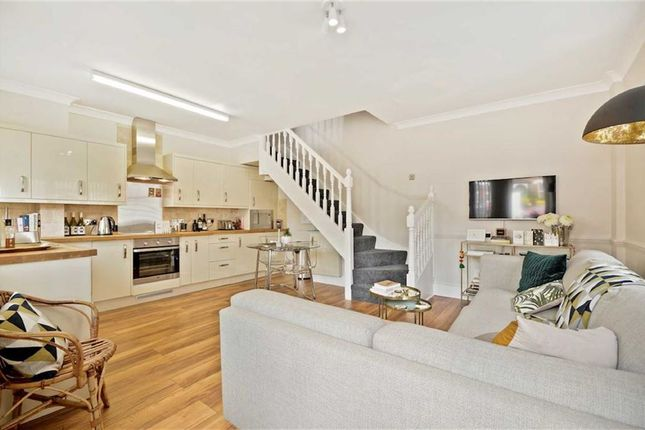 Thumbnail Property for sale in Golden Mews, Penge, London
