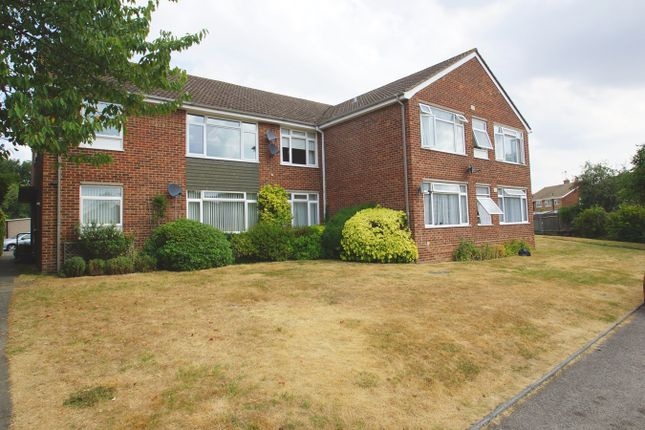 Thumbnail Flat for sale in Fairfield Close, Sidcup