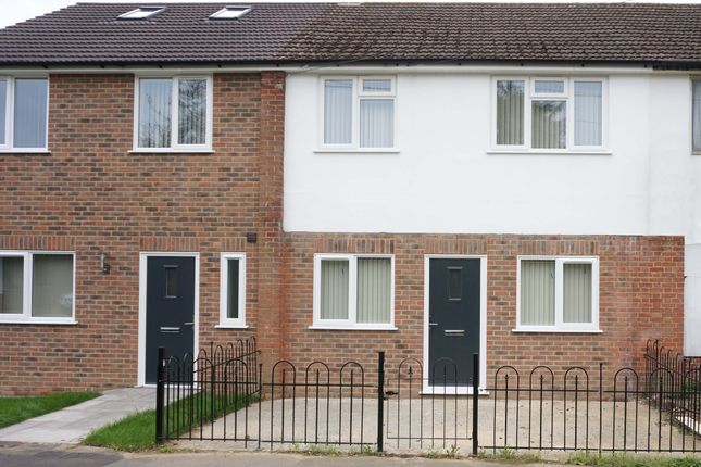 Thumbnail Terraced house to rent in Meadows Close, Brentwood