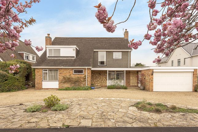 Thumbnail Detached house for sale in Barlings Road, Harpenden