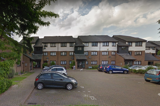 Thumbnail Flat for sale in Aylets Field, Essex