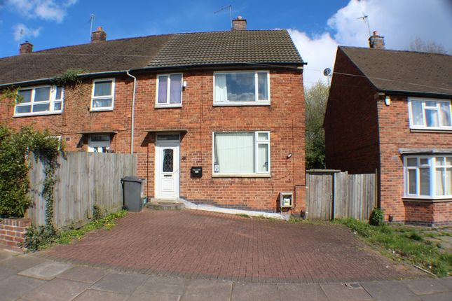 Thumbnail Town house for sale in Goodwood Crescent, Leicester
