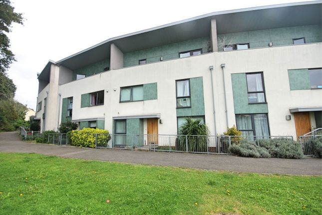 Thumbnail Town house to rent in Wharf Road, Brentwood, Essex