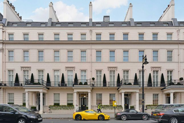 Thumbnail Flat to rent in Grosvenor Crescent, London