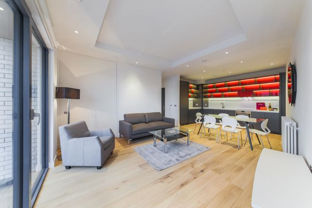 1 bed flat for sale in Caledonia House, London City Island, London