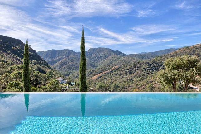 5 bed villa for sale in Benahavis, Marbella, Spain