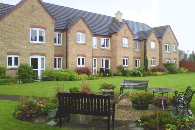 Thumbnail Flat for sale in Forge Court, Leicester