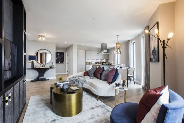 Thumbnail Property for sale in Manhattan Plaza, Canary Wharf